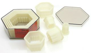 Cookie Cutter Set Fluted Hexagon Professional Nylon w/ Clear Case Fat