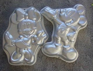 WILTON MICKEY MOUSE AND MINNIE MOUSE CAKE PAN