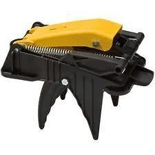 HEAVY DUTY FOOT OPERATED MOLE TRAP★ EASY TO SET AND USE MOLE