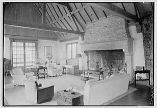 Photo Rush Sturges,reside nce in Wakefield,Rhod e Island. Living room