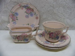 EDWIN KNOWLES CHINA*PINK/BLU E FLOWERS ON PINK*5 PIECE DISHES/CREAMER