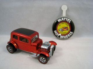 1969 Redline Hot Wheels  CLASSIC 32 FORD VICKY RED WITH BUTTON USA