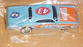 Petty Hot Wheels NASCAR Racing Die Cast Car Wheaties 1 64 Scale