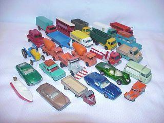 LOT 25 LESNEY CARS TRUCKS 1 CASE REGULAR WHEELS SUPERFAST 1956 TO 1970