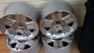 18 Chevy Avalanche Z71 Wheels with Center Caps