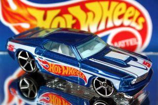 2011 Hot Wheels 155 HW Racing 69 Ford Mustang Blue