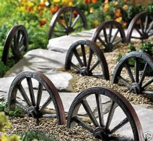 New 4pc Wagon Wheel Garden Border Western Yard Decor
