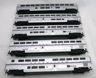 HO Set of 5 Amtrak Passenger Cars Excellent with metal wheels RB173