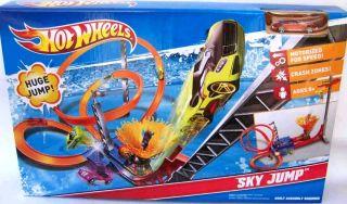 New Hot Wheels Sky Jump Motorized Track Set w Diecast Car
