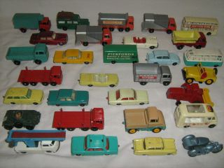LOT 30 VINTAGE MATCHBOX LESNEY CARS TRUCKS ENGLAND DOUGLAS PICKFORDS
