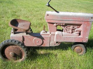 Eska Farmall 560 Pedal Tractor with Spoke Rims Needs Restore